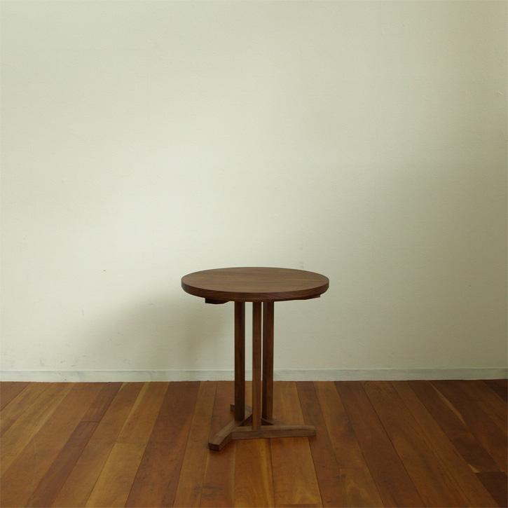 ウォールナット、丸テーブル
