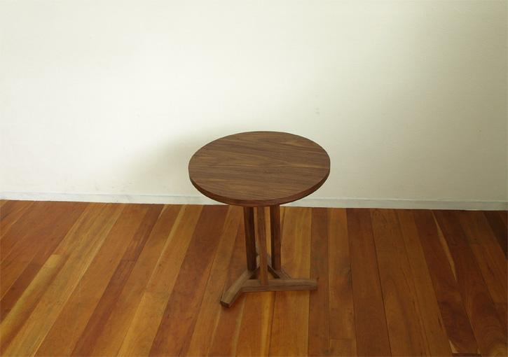 ウォールナット、カフェテーブル