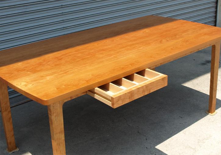 ブラックチェリー ダイニングテーブル