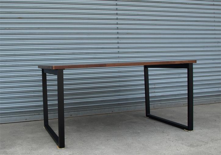 ウォールナット集成材 鉄脚テーブル